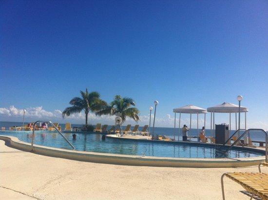 Postcard Inn Beach Resort & Marina at Holiday Isle: The pool, beautiful!