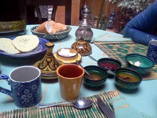 Riad Felloussia: Colazione