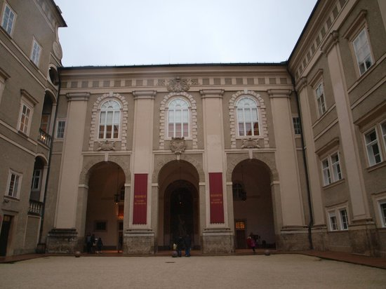 Residenzgalerie Salzburg: Entrance of the Alte Residenz