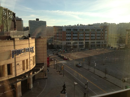 Residence Inn Pittsburgh North Shore: Our lovely view from the 6th floor!