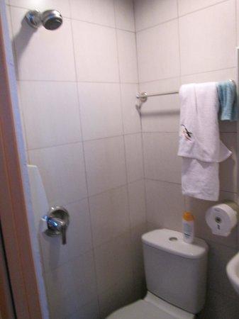 Fragrance Hotel - Selegie: View of Bathroom