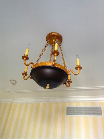 Hotel Monteleone : Ceilings and Moldings
