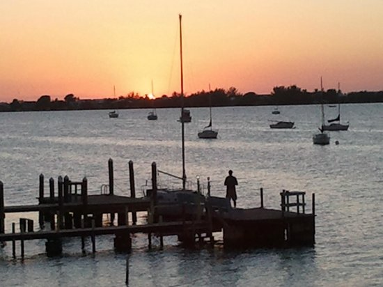 Bayside Grille & Sunset Bar: sunsets are beautiful