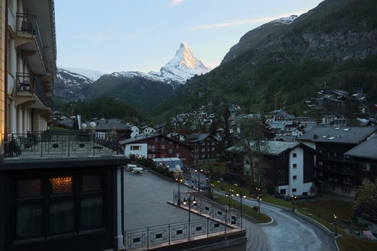 Parkhotel Beau Site: View from balcony towards Matterhorn