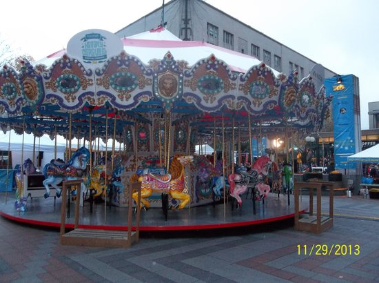 Westlake Center: Carousel
