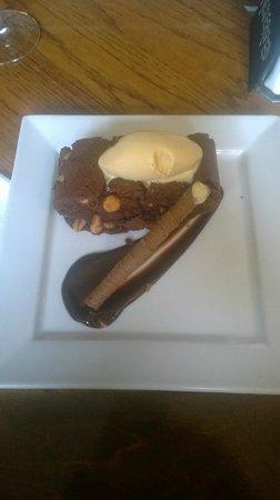 The Bluebell : Peanut chocolate brownie wih salted caramel ice cream