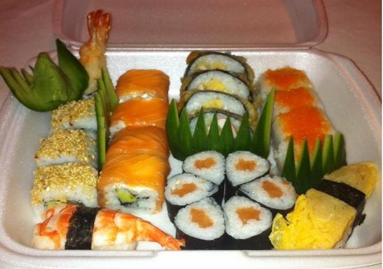 The Ivy Cafe: sushi paket ( take a way )