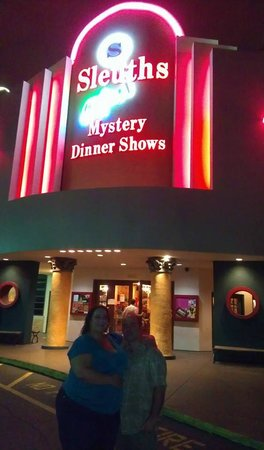 Sleuths Mystery Dinner Shows: Outside the restaurant before the show