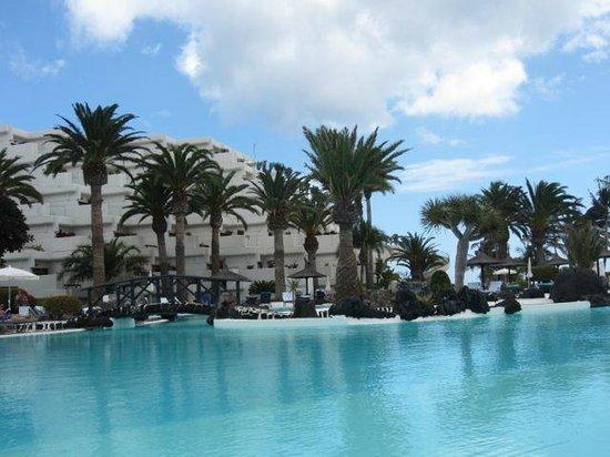 Meliá Salinas: Piscina del hotel