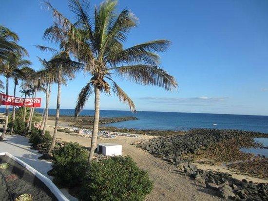 Meliá Salinas: Playa exterior del hotel