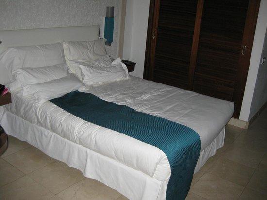 Hotel Jardín Tropical: Rummet