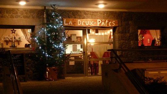 Crêperie La Deux Pâtes : On illumine la Terrasse pour les Fêtes de Fin d'année ;)