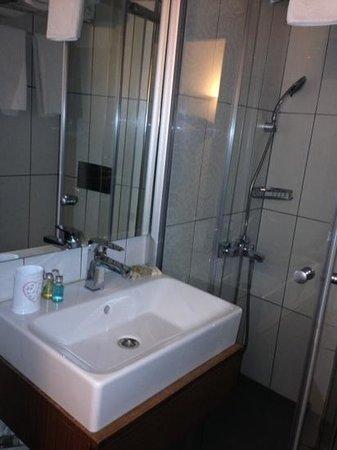 Mr. Bird Hotel: bagno