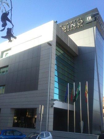 NH Gran Hotel Casino Extremadura: Entrada