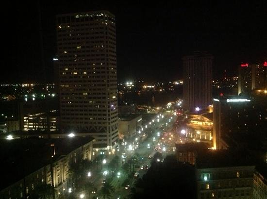 Sheraton New Orleans Hotel : Same view from 42 floor at night