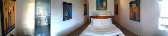 La Casa del Camino: Colorful, fun paintings made the room so opulent!