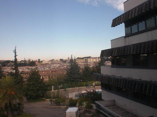 NH Roma Villa Carpegna: vista dalla camera