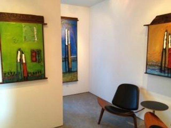 La Casa del Camino: The desk nook is around that corner