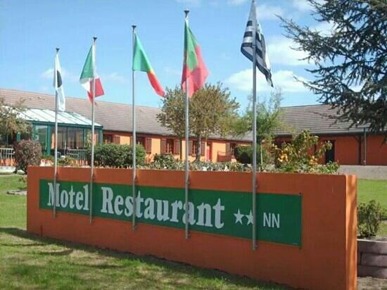Motel du Bocage : vue de la route