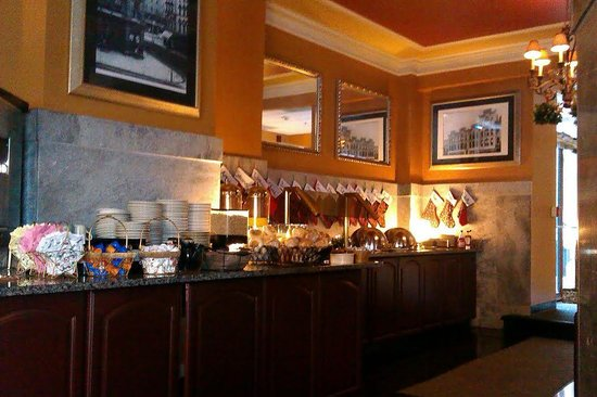 Jefferson Clinton Hotel: breakfast spread