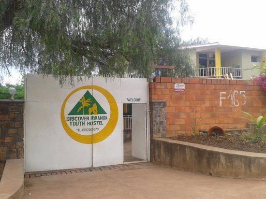 Discover Rwanda Youth Hostel: hostelin dışarıdan görünüşü