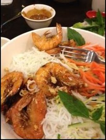 Pho Countryside: grilled shrimp over cold noodles and fresh veggies