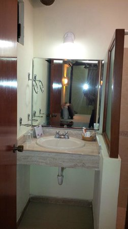 Hotel Posada Sian Ka'an: tree wing vanity