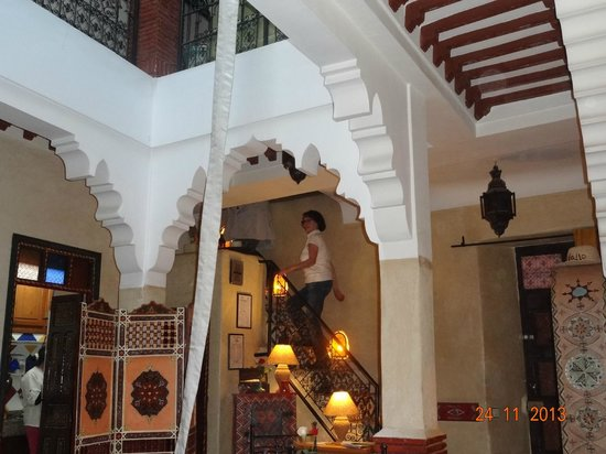 Riad Andalla: Hall
