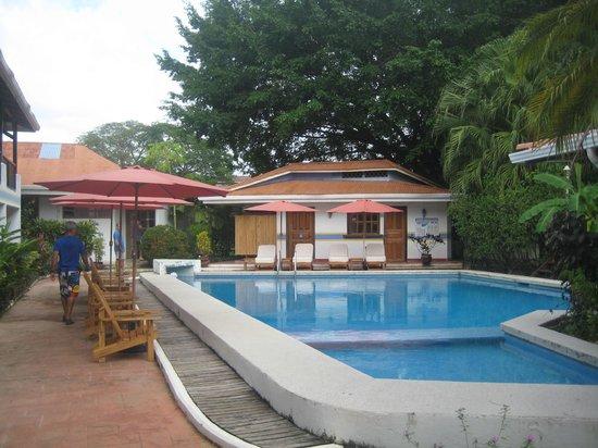 Hotel Samara Pacific Lodge: piscina limpia y agradable