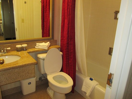 Georgetown Inn West End: Bathroom