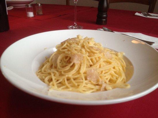 Ristorante Pizzeria Cavallino: Spaghetti alla grana con tartufo bianco