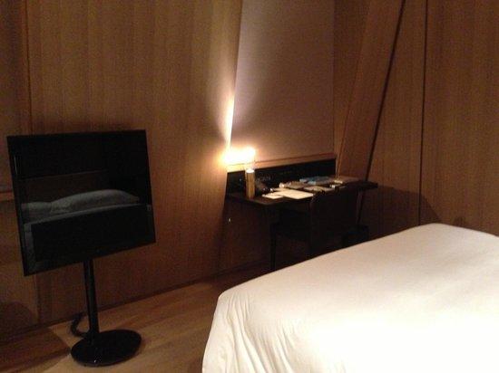 Cafe Royal Hotel: Room