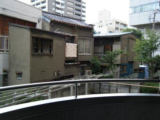 Hotel MyStays Asakusa: Balkonblick