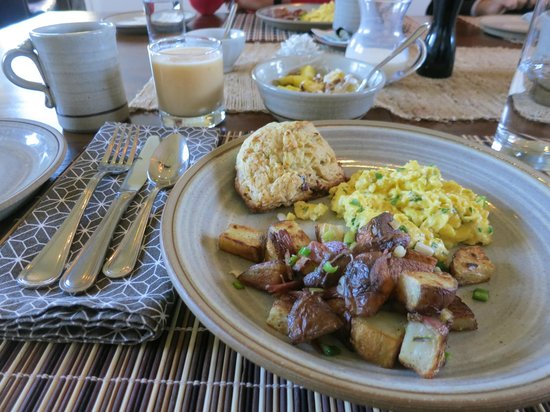 Shinn Estate Farmhouse: Breakfast
