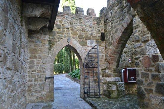 Castello di Monterone: Castello