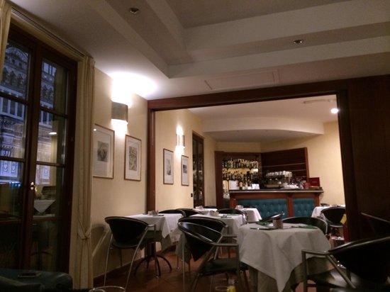 Hotel Duomo Firenze: Local del desayuno