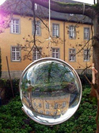 Stiftung Schloss Dyck: glaskugel