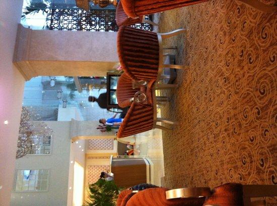 Grand Silverland Hotel & SPA: Hall