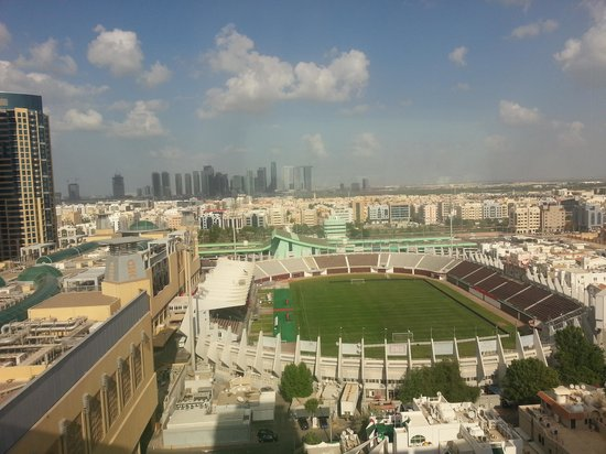 Centro Al Manhal Abu Dhabi by Rotana: View from 15th floor corner room.