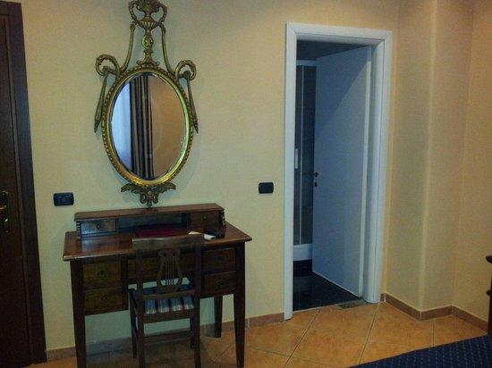 Hotel Caracciolo: La camera
