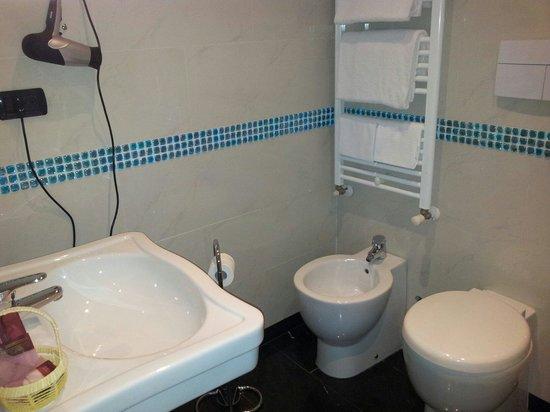 Hotel Caracciolo: Bagno