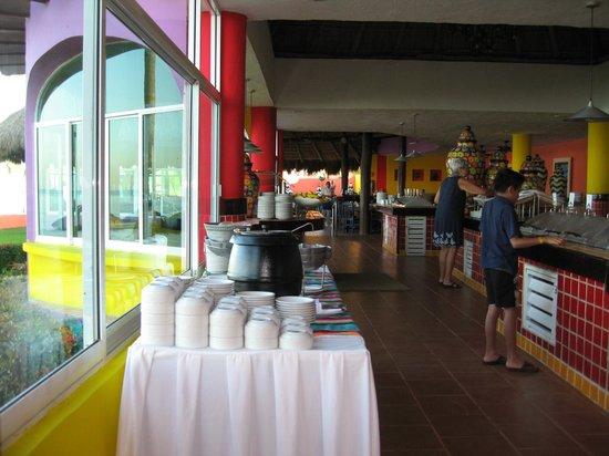 Royal Decameron Complex: Flamingo Buffet