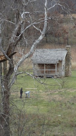 Wilson's Creek National Battlefield: House identical to the one the confederate generals stayed in;