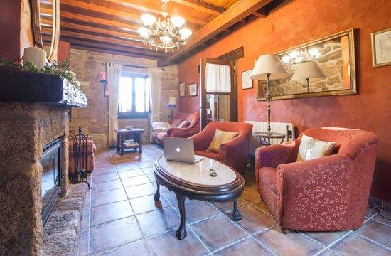 Casa A Laxe: Sala de estar