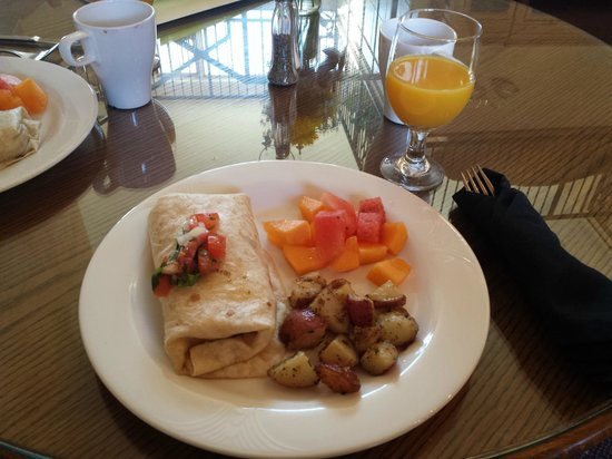 The Purple Orchid Wine Country & Spa: Breakfast (potatoes are great!)