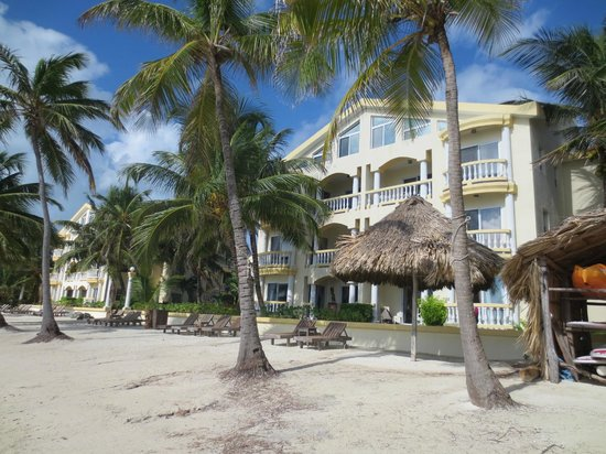 Pelican Reef Villas Resort: Unit #11 is top floor overlooking the water.