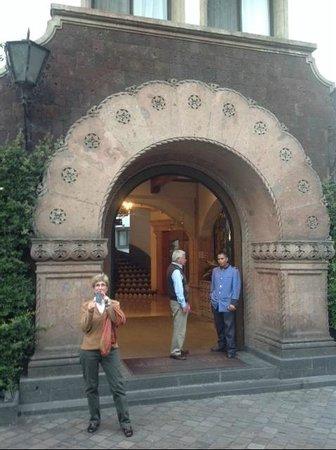 Hotel Maria Cristina: Front entry, Maria Cristina