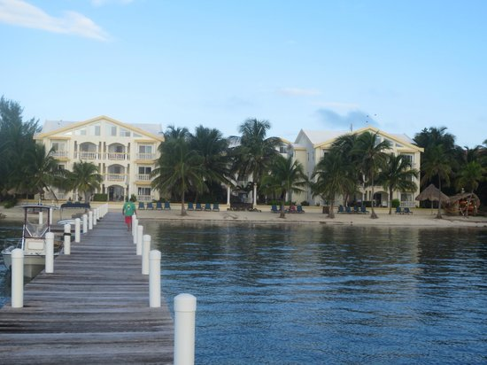 Pelican Reef Villas Resort: View from the end of the pier.