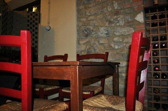 Osteria Il RitroVino : Interno: new look rosso