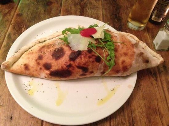 Bar Centrale: Spinach and ricotta calzone